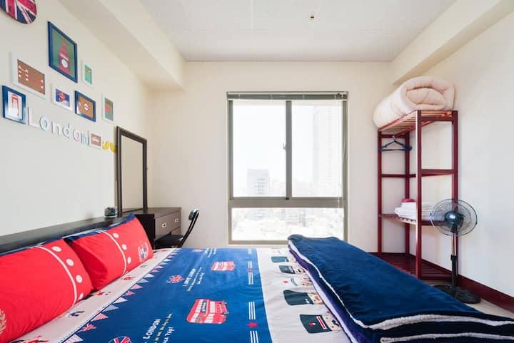三房短期月租$35000    步行至SOGO百貨三多商圈捷運站約7分鐘.