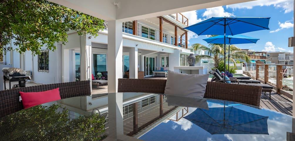 Villa Laluna (3 bedroom)