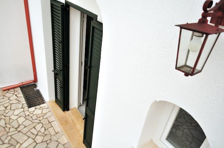 Casa SuDalMar, 8 posti, parcheggio, 80 m dal mare
