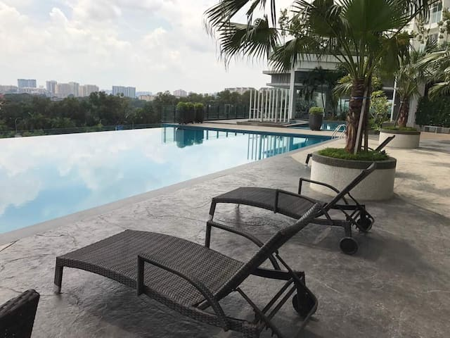 High floor with KL view (3 bedroom KL long stay)