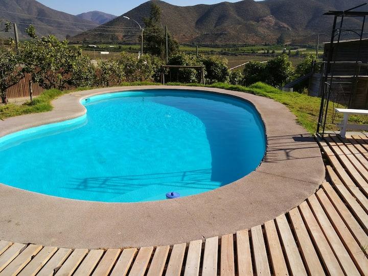 Linda casa con piscina y entorno campestre