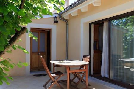 Charmante maisonnette avec terrasse plein sud - La Roche-de-Glun
