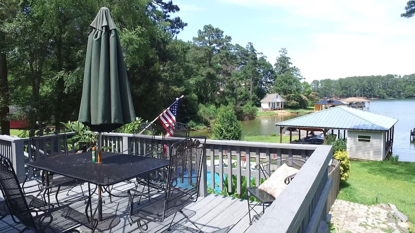 Room available in Lakefront home on Lake Sinclair - Milledgeville - Rumah