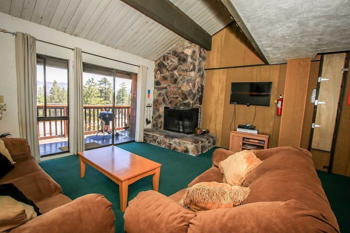 Ski Haus Condo Comfortable 2 BR/Spa/Walk To Lifts