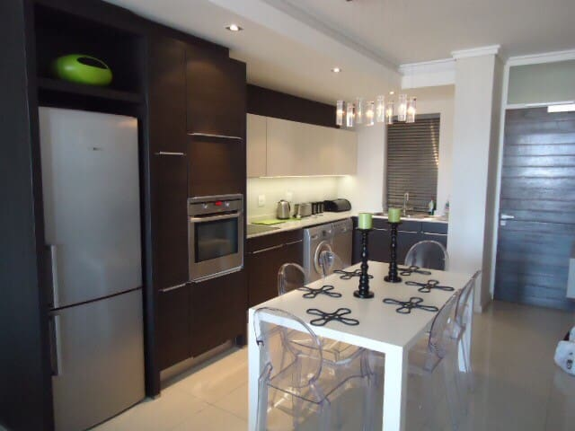 Luxury apartment at Crystal Towers - Cape Town  - Huoneisto