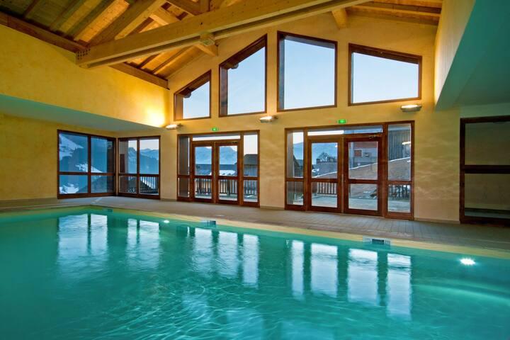 Appartement équipé et cosy à 500m du télésiège ! Accès Piscine + Sauna