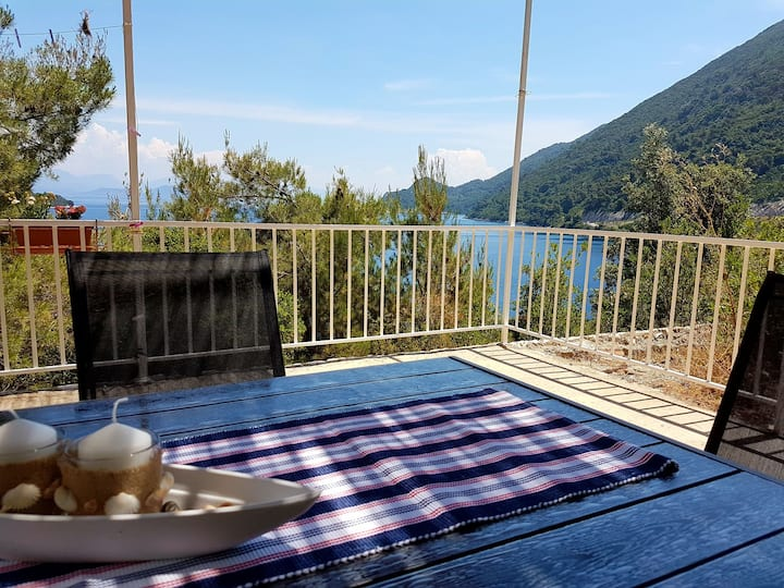 Apartment Luka -spacious, terrace with sea view