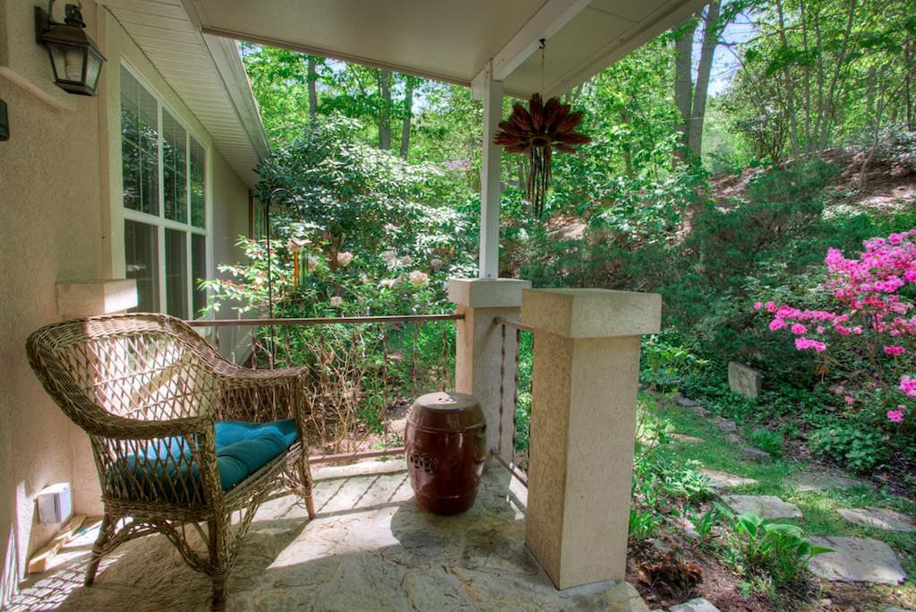 Front stoop with comfortable outdoor seating