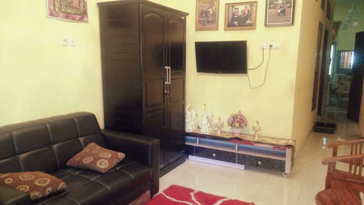 A whole small house in Medan City ideal for family