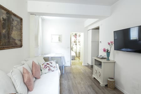 Comfortable apartment in the centre of Bologna