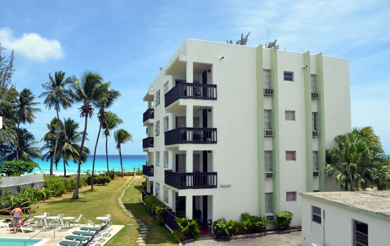 Ocean View 1 Bedroom+Kitchen Apartment - Bridgetown - Byt