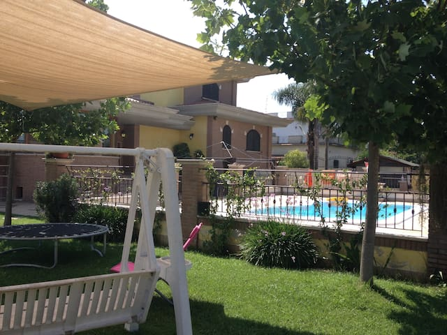 Villa Lucy Bed and Breakfast - Borgo Montello - Penzion (B&B)