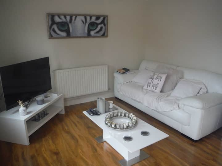 Ainsdale village great location with breakfast