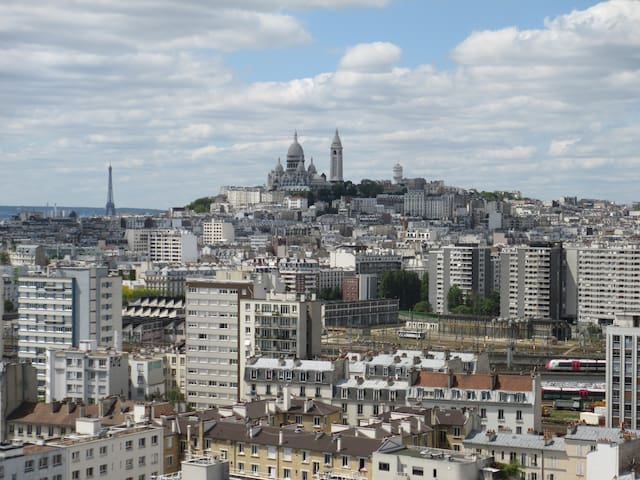 Studio with beautiful view on Montmartre, Paris