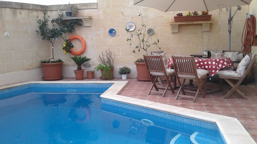 """Little Rose"" in Country House Qala/Gozo + Pool"