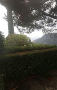 Accogliente villetta con wi fi - Finale Ligure