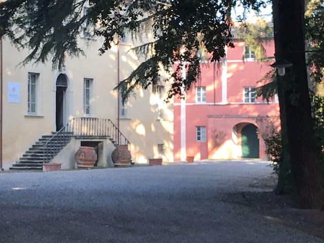 Borgo di Colleoli - The Tuscan Dream