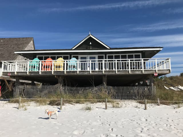 Island Time- Wonderful Private Beachfront Home