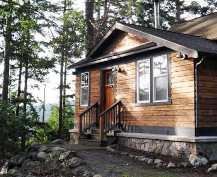 Huckleberry House on Orcas : Walk to Beach & Town