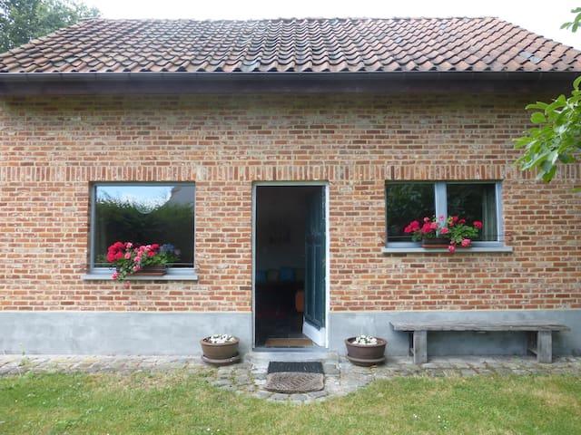 Heerlijk vakantiehuisje - Zonhoven - Cabin