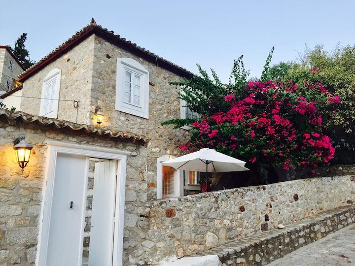 Alexandros Hydra summer house
