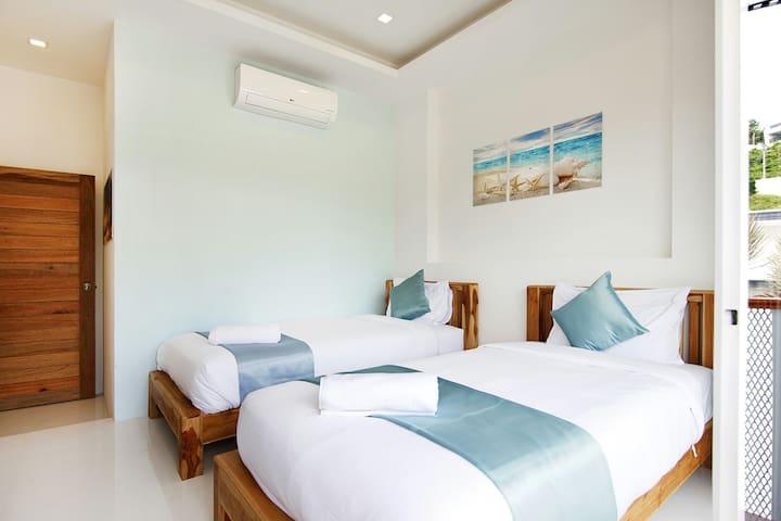 bedroom #1 with en-suite bathroom