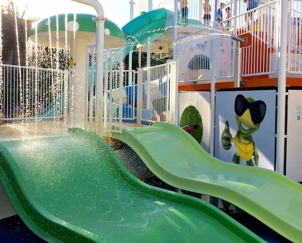 Kid Friendly Resort: Water Park/Tennis/Walk2Beach