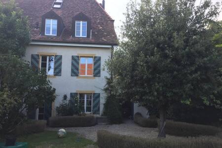 Maison de village pour vacances paisibles