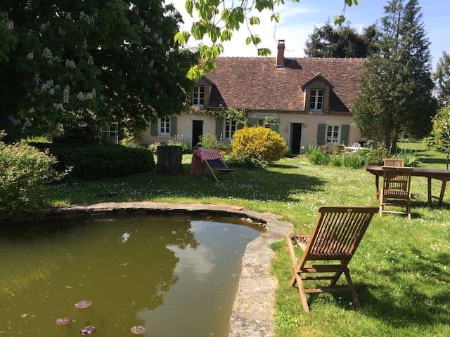 Longère proche Chambord et Loire - Lailly-en-Val - House