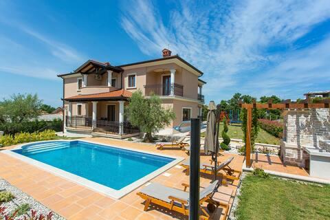 Casa de vacaciones con 2 apartamentos y piscina privada para 10