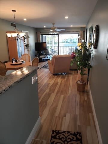 WOW New floors and Kitchen