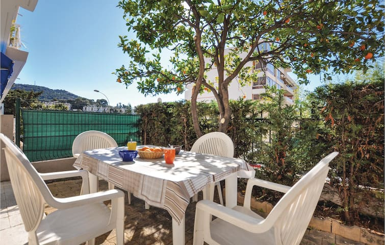 Holiday apartment with 1 bedroom on 45m² in Le Cannet