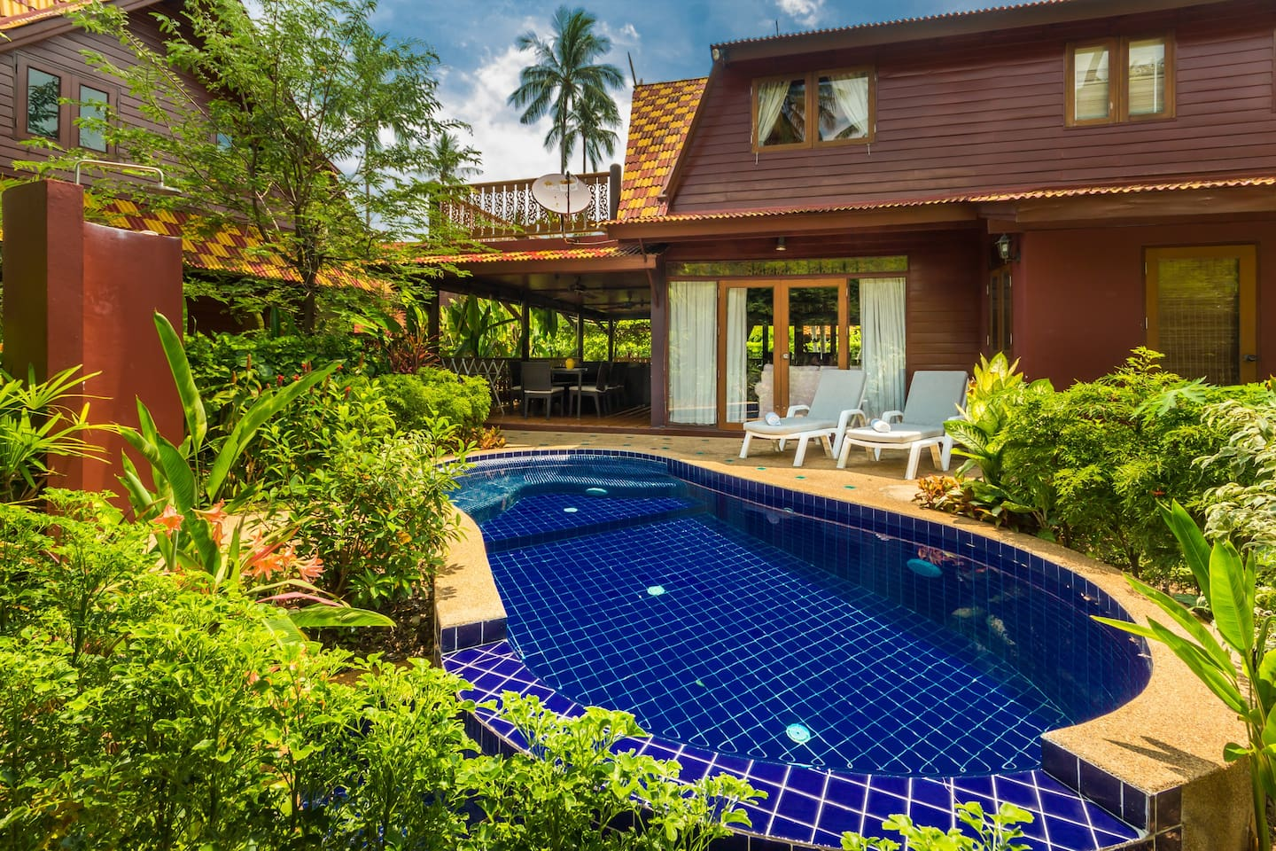 Private Garden and Dip Pool