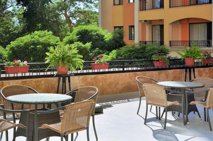 Sunny Apartments - Golden sands, nr Varna
