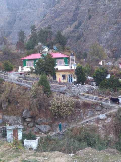 Ekaant in the Himalayas: Cottage 1