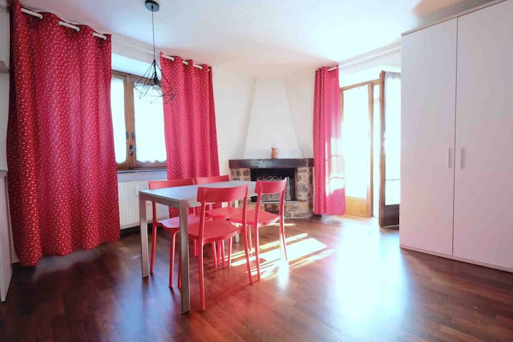 Elegant one bedroom apartment in Courmayeur