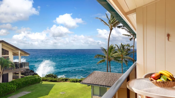Ekahi Building: Hear the Waves from this Ocean View Unit!