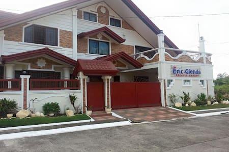 EricGlenda Private Resorts VIP Rooms (4Available) - Los Baños