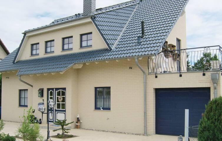 Rollstuhl-u. Behindertenfreundliche Wohnung für 4 - Putbus - Apto. en complejo residencial