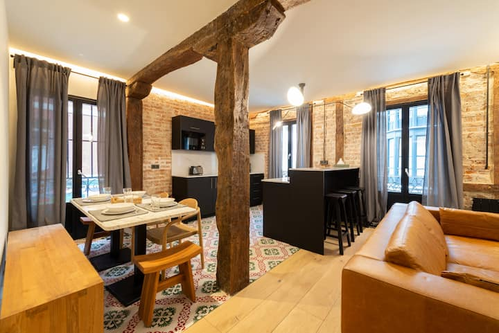 Reformado apartamento junto a casco viejo by SAH