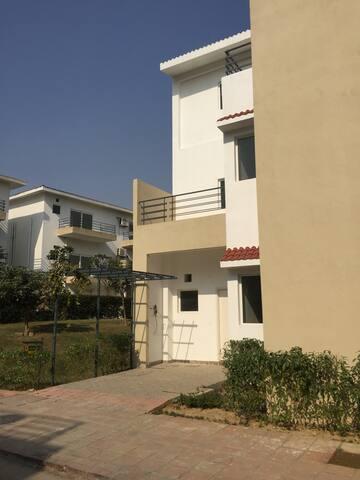 5 Bedroom Villa in a lush green environment