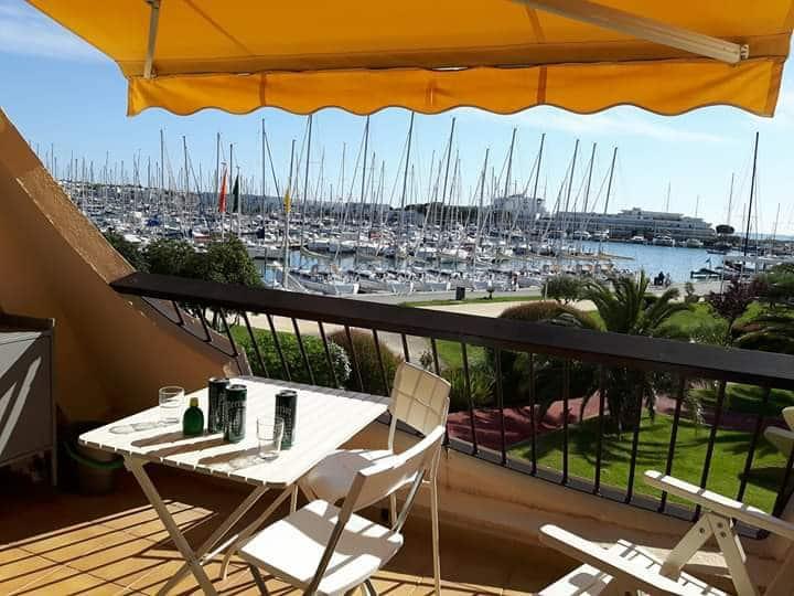 port camargue vue port 50m plage et UCPA  2ad+2enf