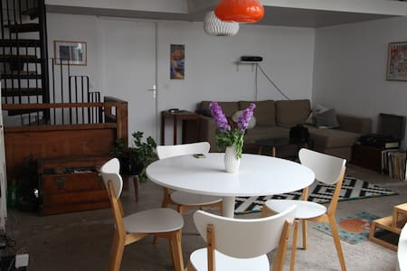 Loft with small terrace - Aubervilliers