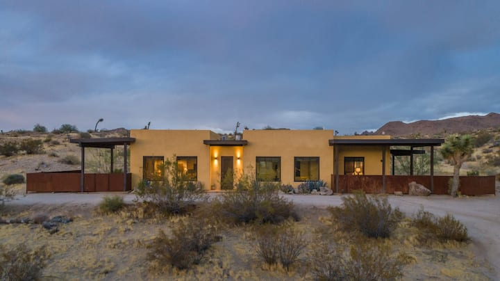 The Desert Hideaway - 2 Minutes from the Joshua Tree National Park West Gate