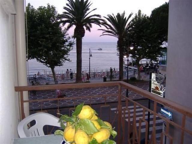 sea side view cosy apartment - Maiori - Apartment