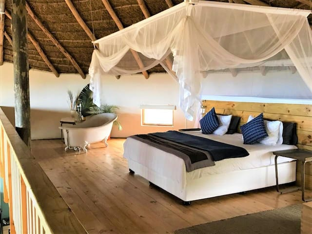 Swell Eco Lodge Luxury Family/Honeymoon Rondavel