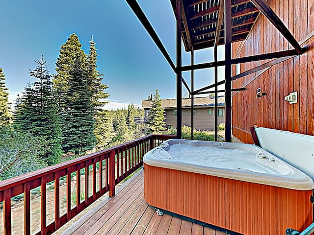 Unwind under the stars in the private hot tub on the back deck.