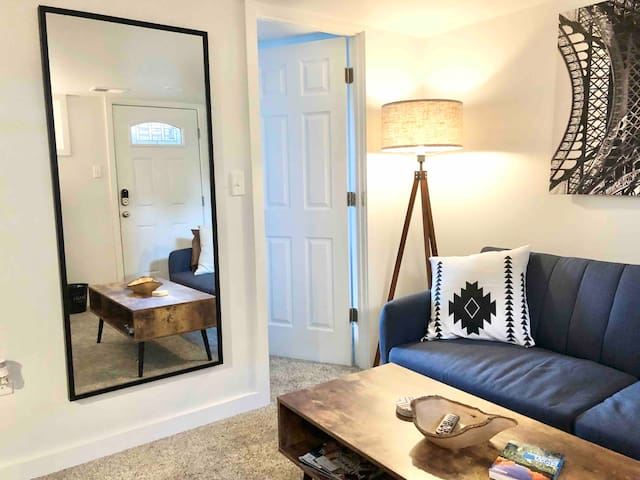 Modern one bedroom with private patio!
