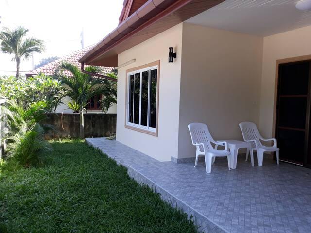Новый дом в пешей доступности к пляжу Камала