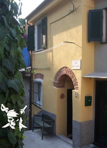 Romantic little Pirate´s House, free WiFi - Monterosso Al Mare - Hus